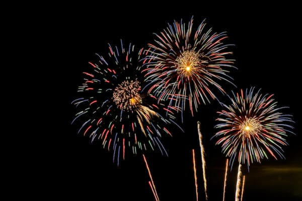 Feux d'artifice pour Bonfire Night en Angleterre